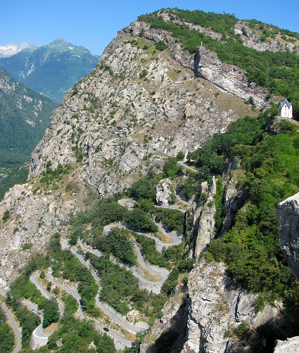 Photo: The Feel: the sign at the start says Montvernier is 8km away and you should turn the right. Ignore it.